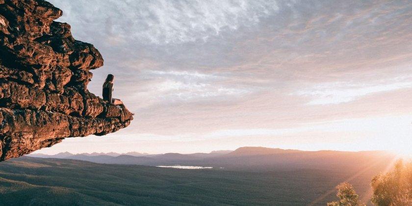 adventure-travel-cliff