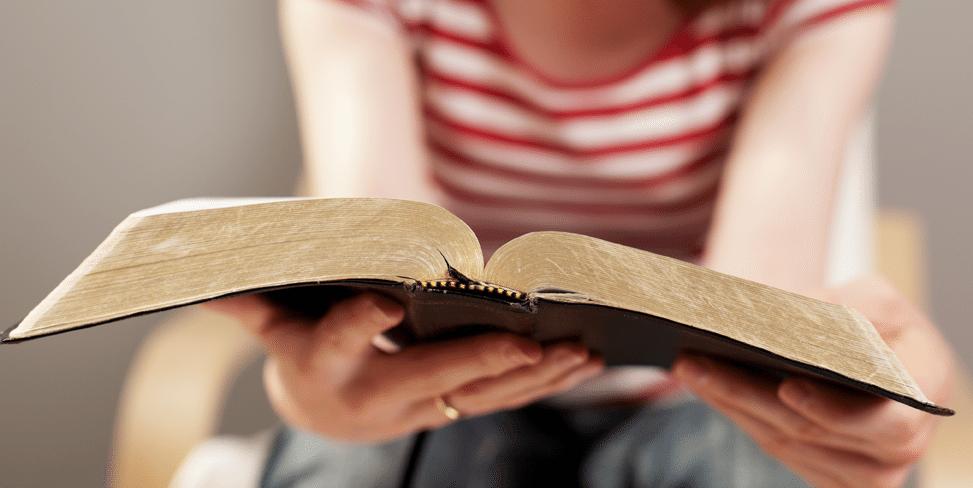 leyendo-biblia-miami